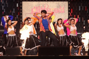 Arjun Kapoor performing at Glitterati 2013, Aamby Valley City