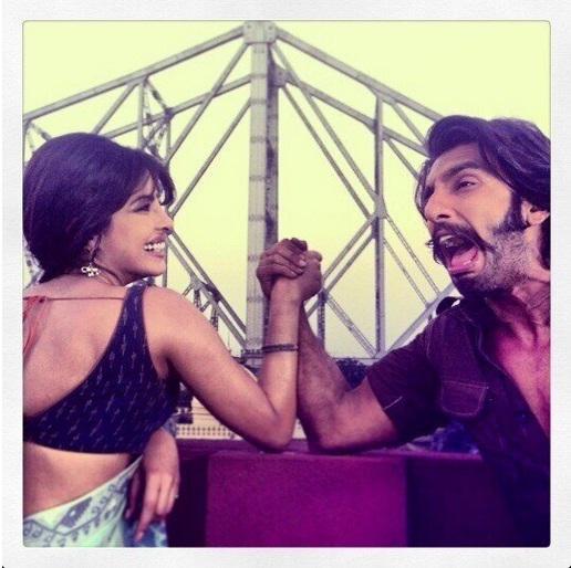 PRIYANKA CHOPRA AND RANVEER SINGH IN HOWRAH BRIDGE, KOLKATA_files