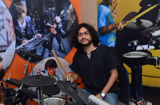 Rupam Islam performing at the Press Meet and Launch of Roland School of Music Japan at Happy Hours - 1