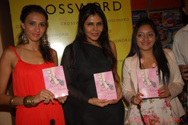 Alesia Raut (Model), Nisha JamVwal (Interior Architect and Columinst), Anjali Kirpalani (Author of the book)