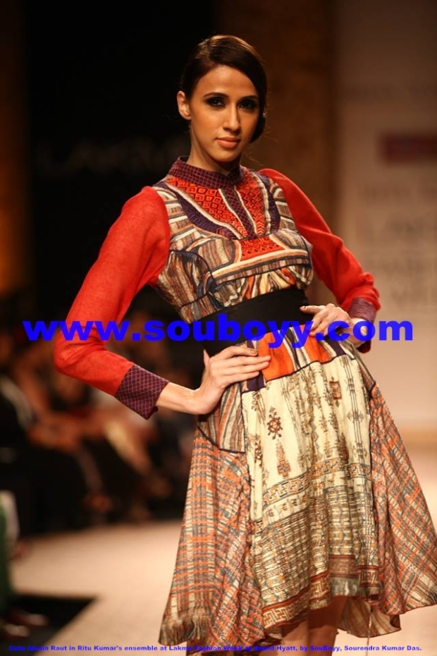 Dazzling Alesia Raut in Ritu Kumar's ensemble at Lakme Fashion Week at Grand Hyatt Mumbai, by SouBoyy, Sourendra Kumar Das
