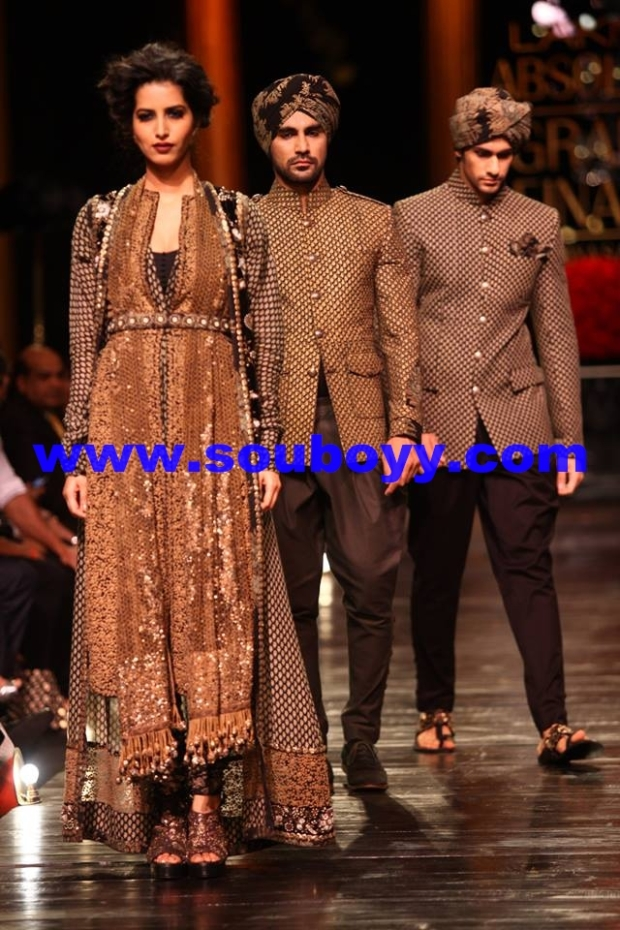 In SabyaSachi Couture at Lakme Fashion Week Grand Finale, by SouBoyy, Sourendra Kumar Das