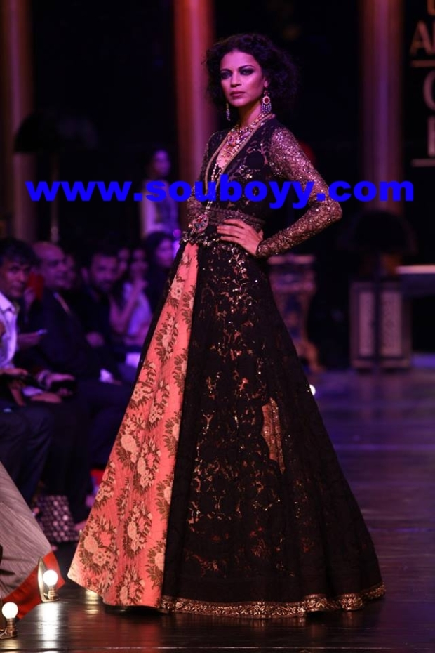 Noyonika Chatterji in SabyaSachi Mukherji at Lakme Fashion Week Grand Finale, by Sou Boyy, Sourendra Kumar Das