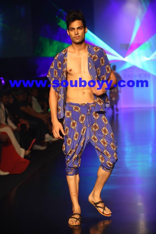 Dhl Presents Pria Kataaria Puri At Lakme Fashion Week Nomadic Boyy