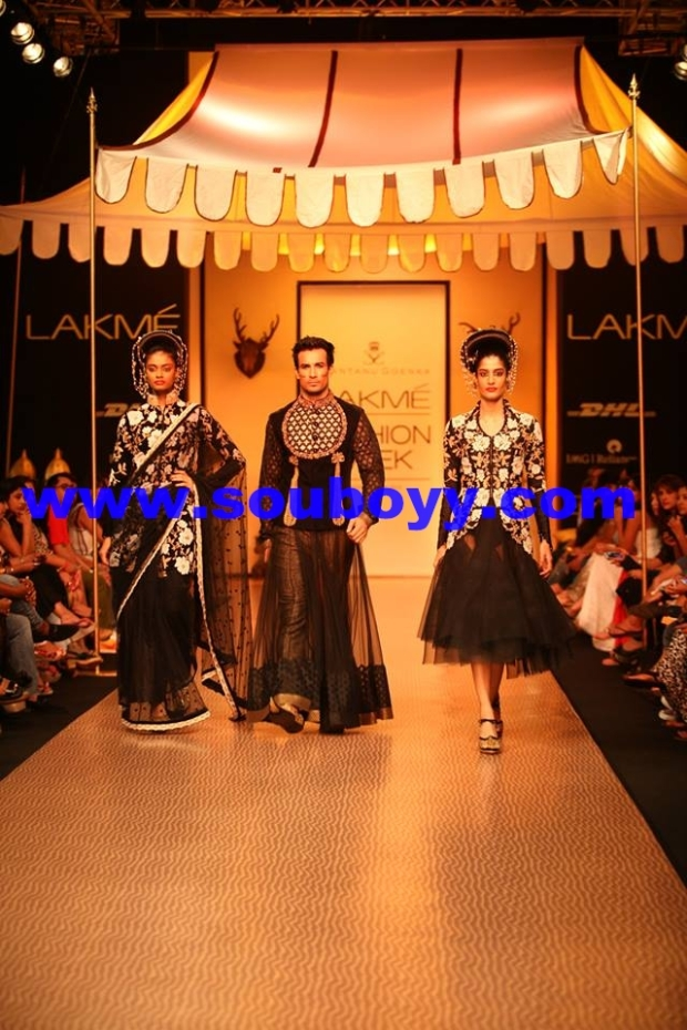 Shantanu Goenka's KRUHUN at Lakme Fashion Week, Winter Festive - Day 2 by Sou Boyy, Sourendra Kumar Das - With Asif Azim and Jaanvi Thakur at Grand Hyatt Mumbai.