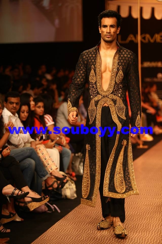 Shantanu Goenka's KRUHUN at Lakme Fashion Week, Winter Festive - Day 2 by Sou Boyy, Sourendra Kumar Das - With Asif Azim at Grand Hyatt Mumbai.