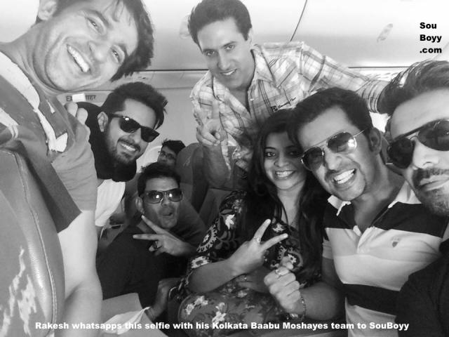 Rakesh whatsapps this selfie to SouBoyy